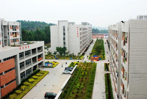 广州市场营销专业初中起点中技学历班
