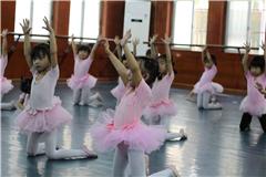 广州专业少儿芭蕾舞培训(适合六岁以上)