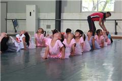 广州少儿中国舞培训小班(6岁以上)