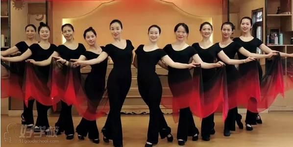 广州亚美瑜伽导师培训学院  魅力自信风采展示