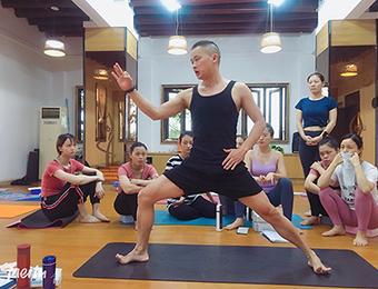 广州200TT高级瑜伽教练兴趣班