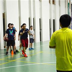 广州青少年篮球培训班