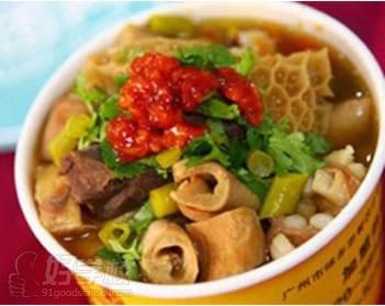 北京美味居餐飲培訓學校  牛雜蘿卜成品