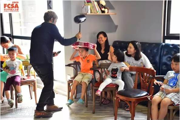 外国幼儿游戏活动图片