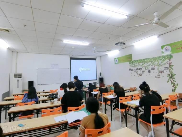 广州祈方语言培训中心课室环境