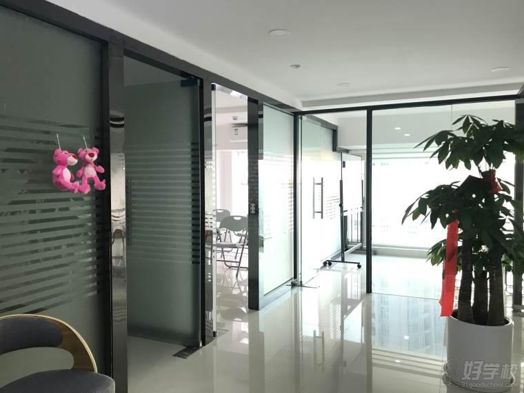 深圳乐西环境一角