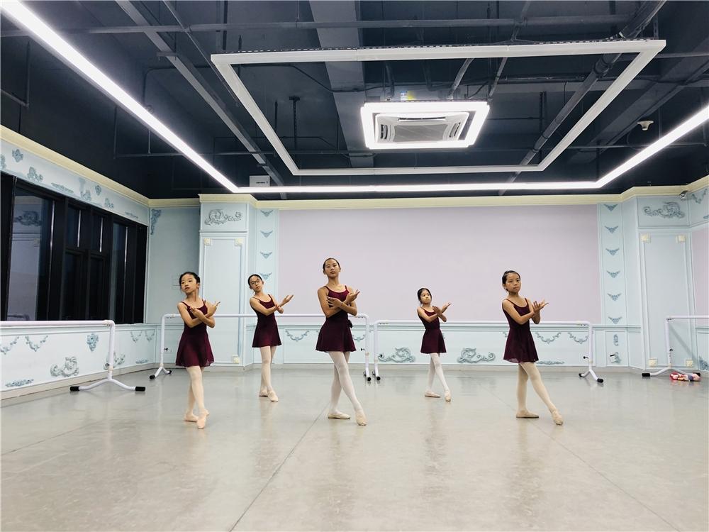 广州少儿芭蕾舞六级考级班