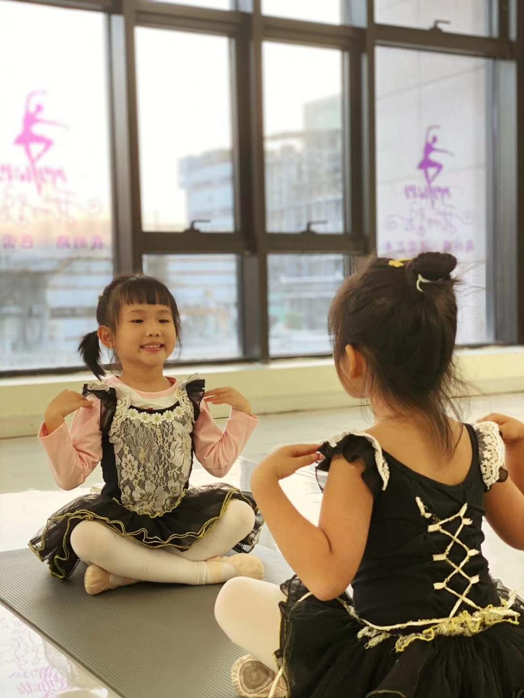 广州芭蕾启蒙初级形体培训班