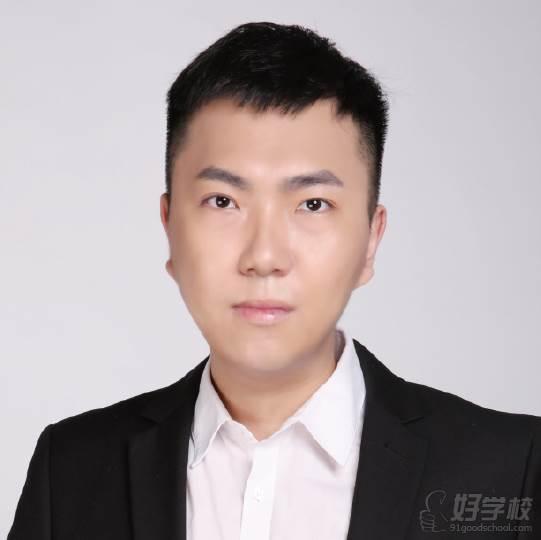 李志鑫  播音主管