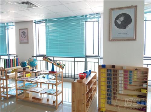 广州市启鸣职业培训学校早教课室环境
