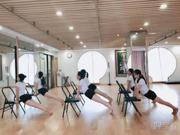 贵阳瑜伽协会教练培训中心 学员风采