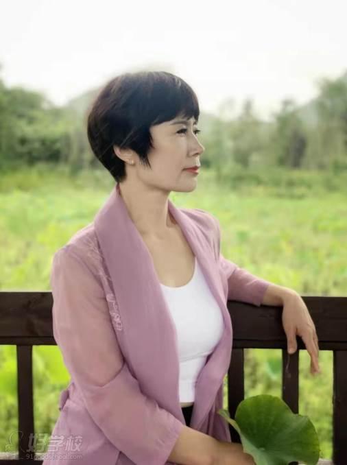 贵阳瑜伽协会教练培训中心 关晓艳老师