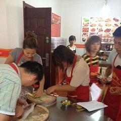 昆明石锅拌饭制作技术专业培训班