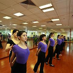 广州优雅姿态青少年暑期形体礼仪培训班