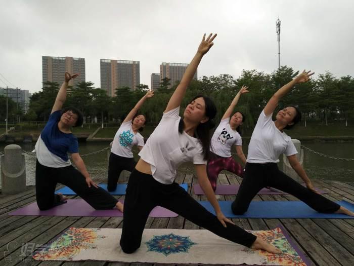 佛山高级瑜伽导师班培训课程图片