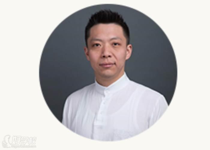 李海涛  悠季瑜伽(北京)资深瑜伽导师