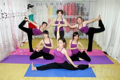 瑜伽教练班