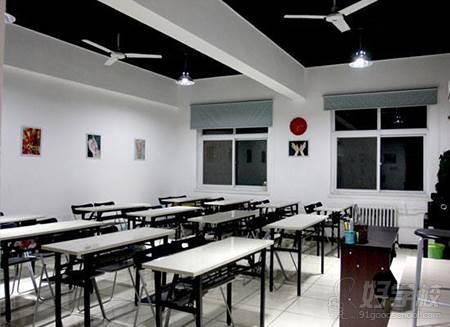 杭州图雅化妆美甲纹绣学校  教室环境