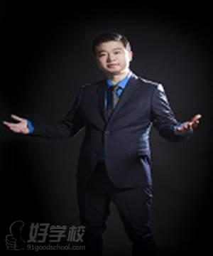 北京两个黄鹂教育  肖弦弈 博士