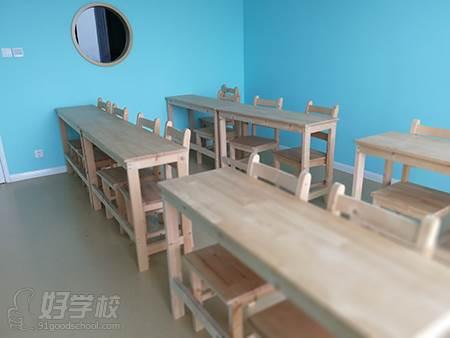北京两个黄鹂教育 青年路校区 教室环境