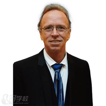 大连沙河口新动态英语培训学校导师 Raymond Monk