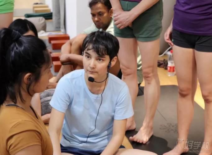 上海無陌瑜伽教培中心  协助导师