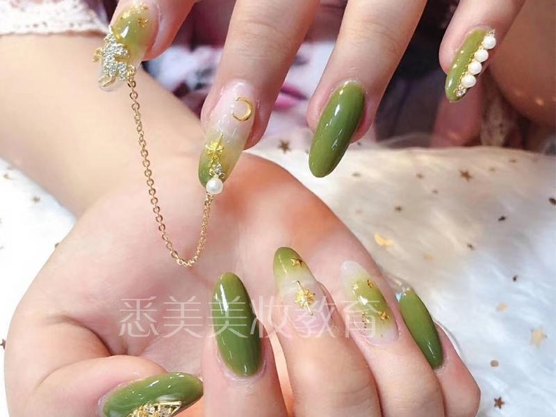 广州时尚美甲彩绘艺术全能培训课程