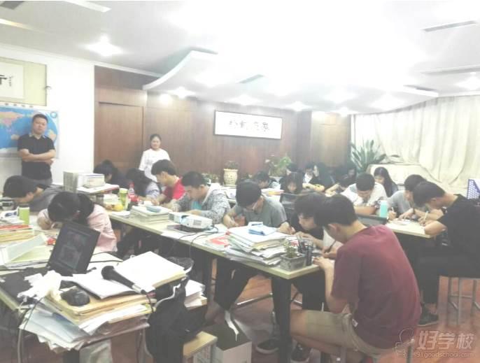 郑州铮铮教育 学校生活 动员大会