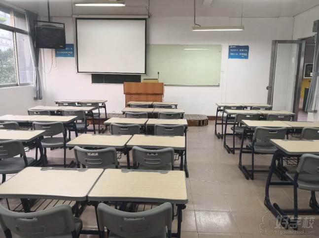 北京博飞华侨港澳台学校  教学环境 课室