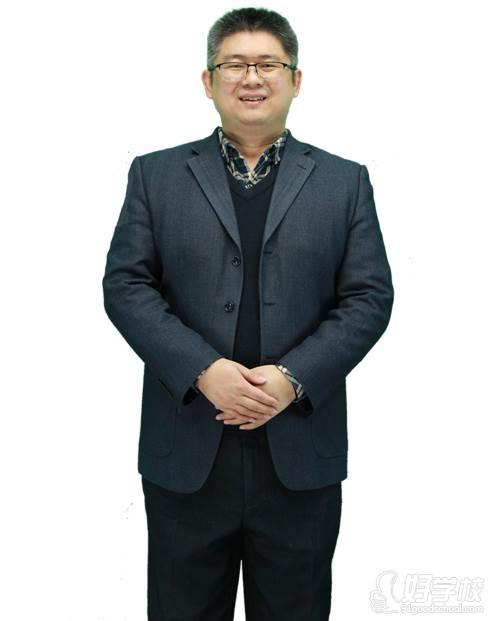 学天教育  导师 薛大龙
