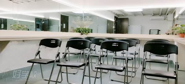 寧波寬彩化妝培訓學校 教學環境