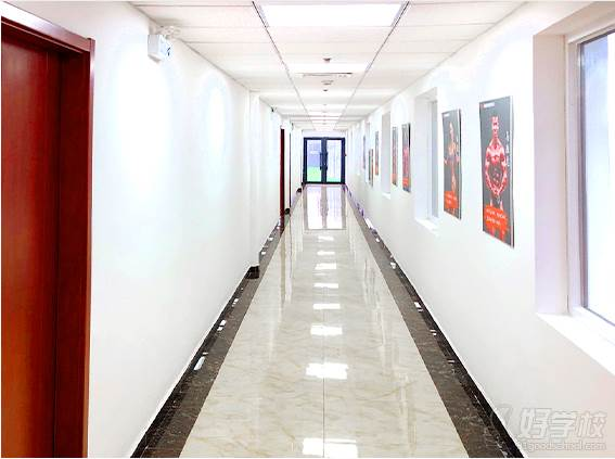 北京自然美健身学院  教学走廊