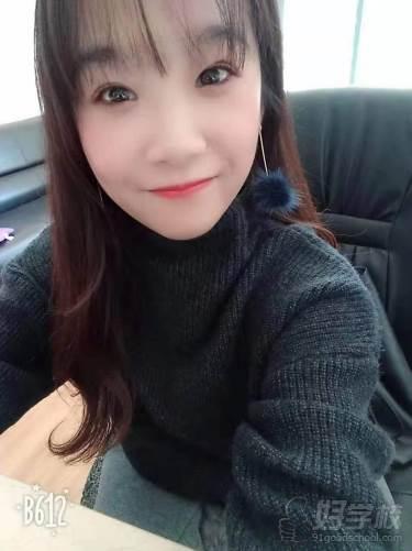 昆明兴龙日韩泰语教育  李老师