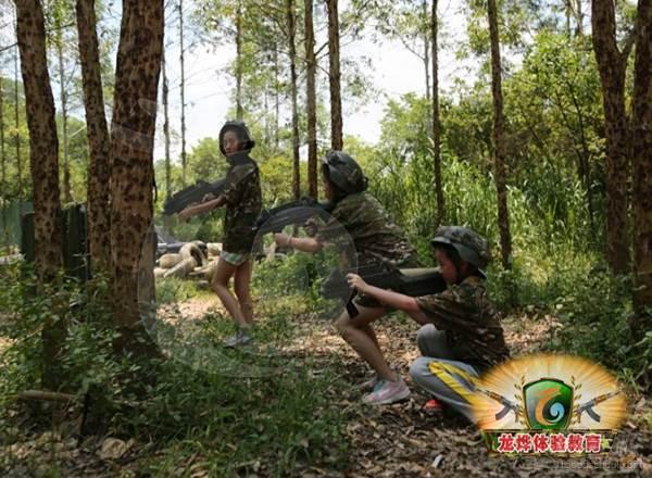 广州龙烨体验教育学院 真人cs野战培训-激光野战