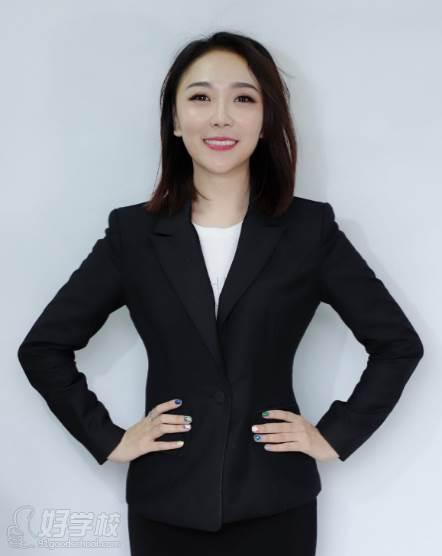 深圳拥有桃传媒文皓艺术培训中心  张教养员