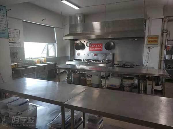 济南牛厨美食技术培训中心  厨房环境