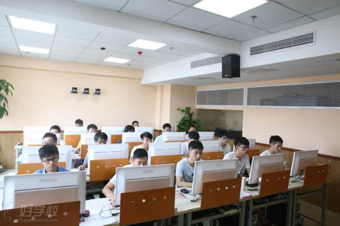 安徽华信智原IT设计学院  专业课堂