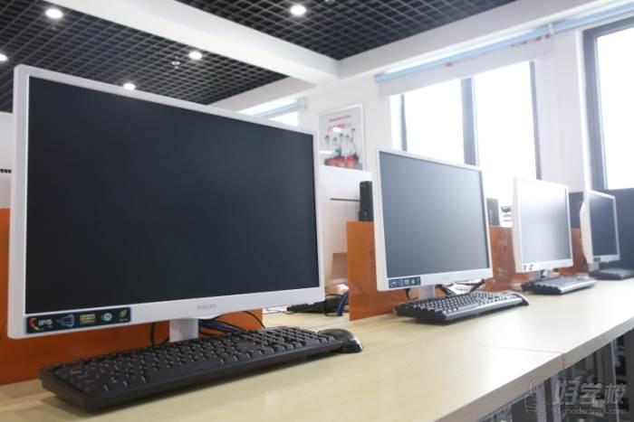 安徽华信智原IT设计学院  教学设备