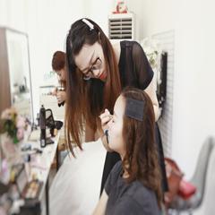 广州新娘化妆造型速成培训班