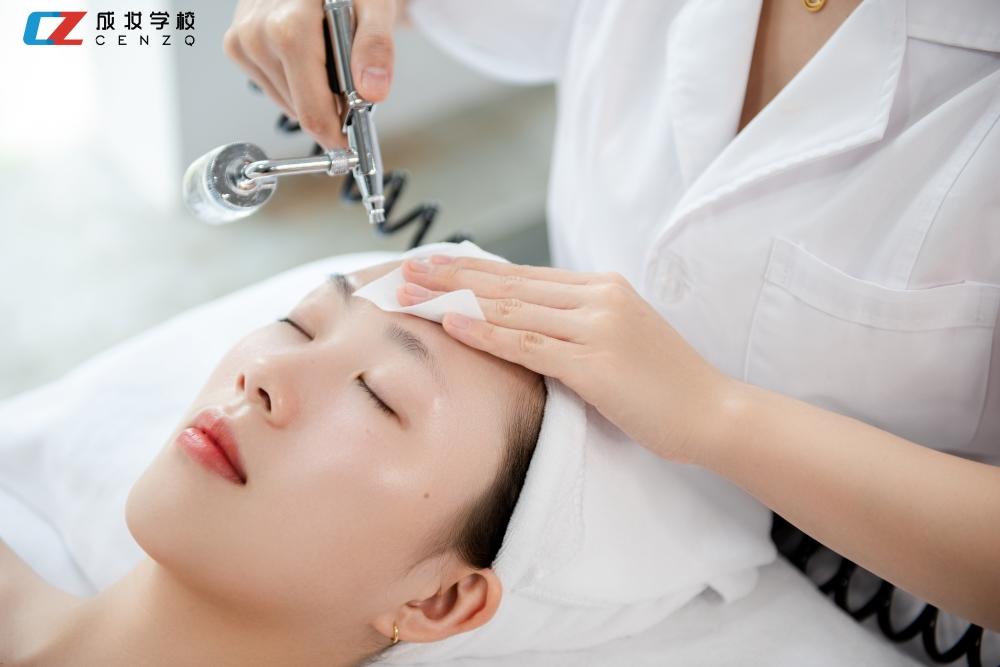 美容师精英培训班
