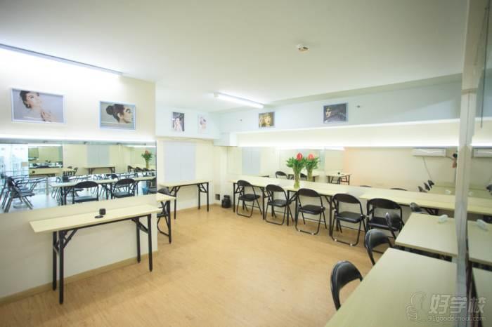 无锡潘派美学化妆造型美甲培训中心 学习环境