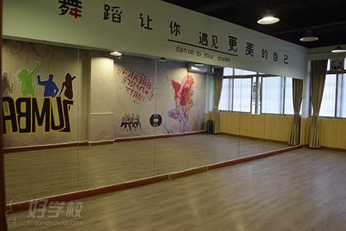 廣州揚岸舞蹈工作室 學習環境