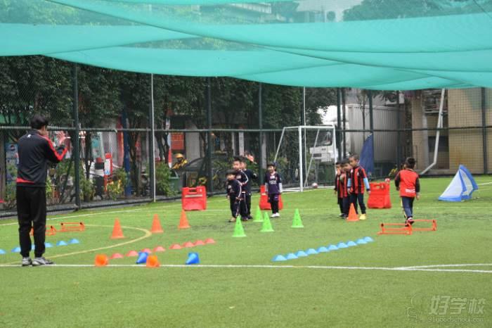 麦菲足球学院  广州绿茵校区