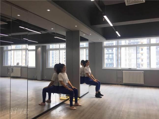 陕西芽色艺术培训中心  专业训练