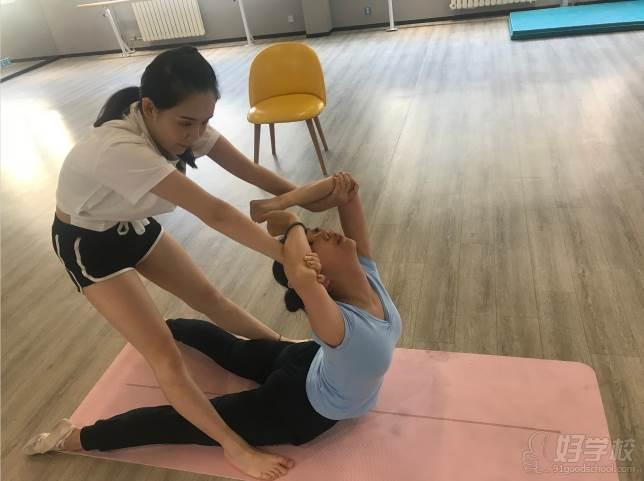 陕西芽色艺术培训中心  一对一指导
