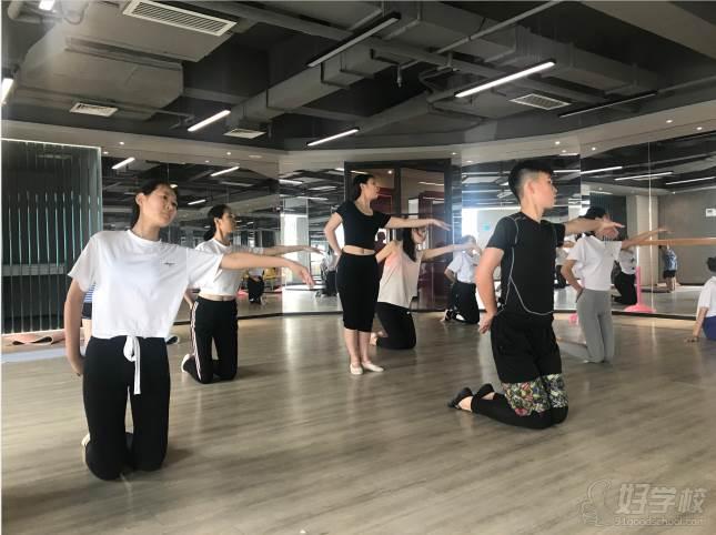 陕西芽色艺术培训中心  教学风采