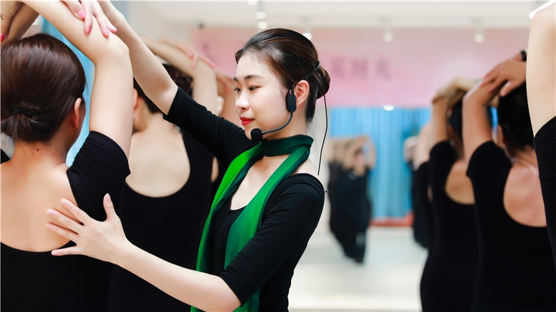 女子优雅仪态形体梳理归位训练课