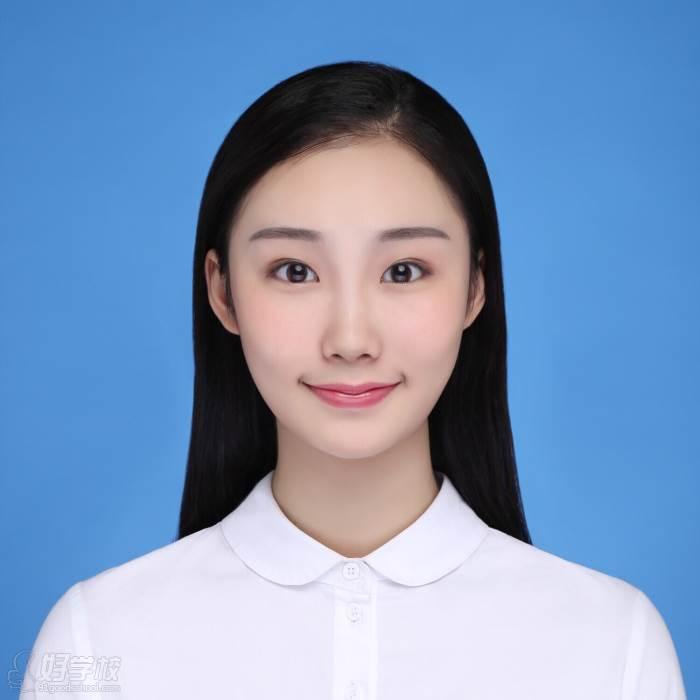 李佳穎,解放軍藝術學院