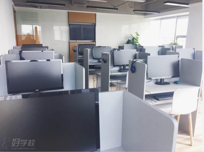 杭州濟才教育 電腦教室