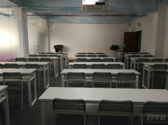 深圳润康职业技能培训学校教学课室